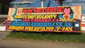 karangan papan bunga di Sidikalang